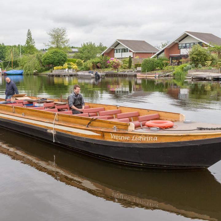 Eerste proefvaart van rondvaartboot op waterstof