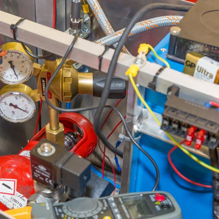 Reduceerventiel en drukmeter voor de inhoud van de waterstofcylinder
